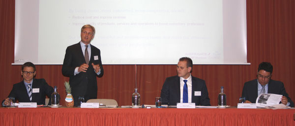 Presented AFKLMP's future cargo strategy (l > r): Stephane Bocquet, VP Express + Mail / Eric Varwijk, Exect VP Cargo / Eelco van Asch, Senior VP Sales + Distribution / Ramon Delima, VP Variation + Industries /  source: hs