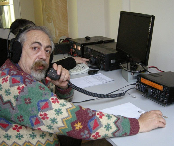 Leo IKØBZE al microfono della IQØAP