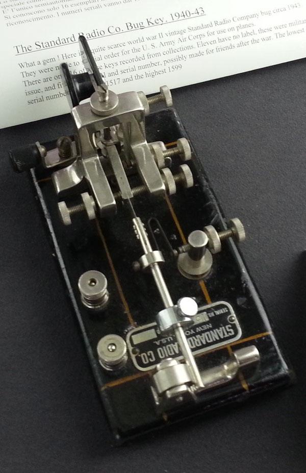 Tasto semiautomatico Standard Radio per uso aeronautico