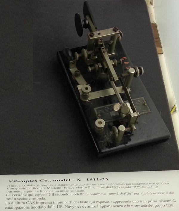Tasto semiautomatico prodotto dalla Vibroplex, modello Model-X