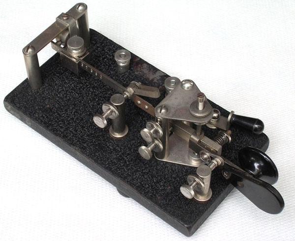 Tasto semiautomatico J-36 di produzione Lionel