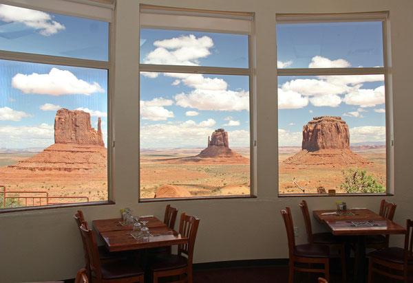 "Foto: Restaurant im Hotel ""The View"", Monument Valley"