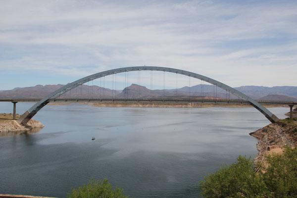 Foto: Brücke über den Salt River