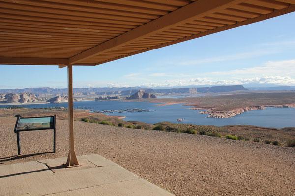 Foto: Aussicht über den Lake Powell bei Page