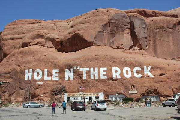 "Foto: Hole N"" the Rock"