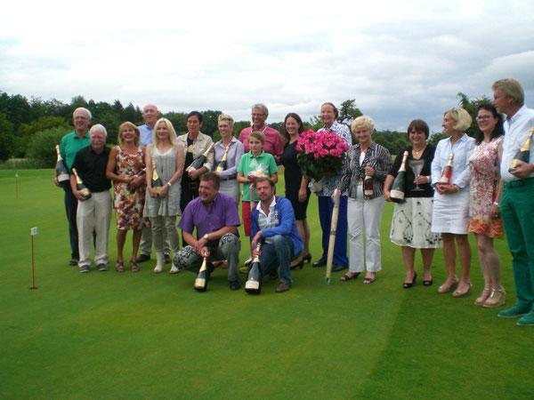 Teilnehmer des Benefiz-Golfturniers