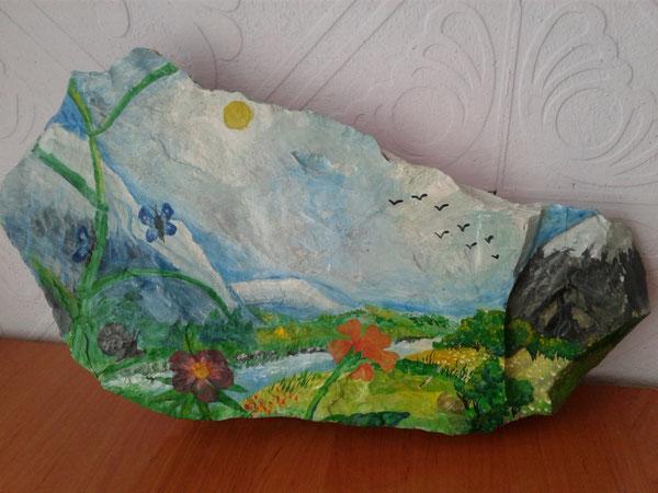 Роспись по камню. Работа родительницы Акуловой М. А.