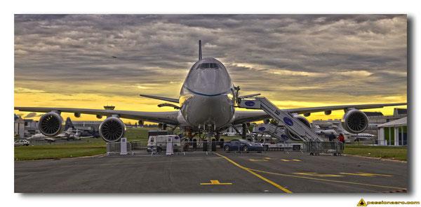 747-800 Cargo au Bourget pendant le salon.