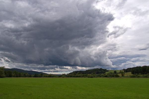 Das Haunetal zwischen Müsenbach und Odensachsen