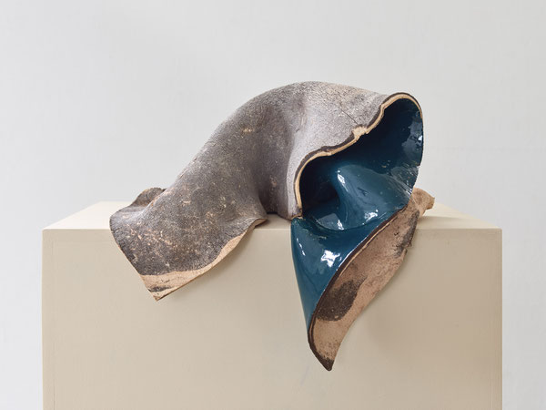 Gabriele Künne, Burnout, Keramik glasiert, ca. 37 x 32 x 29 cm, 2017
