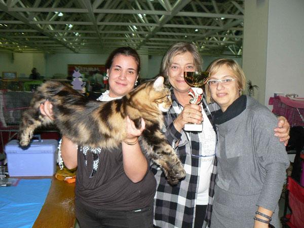 roxana e le sue allevatrici del Paradisecoon Anna e Barbara