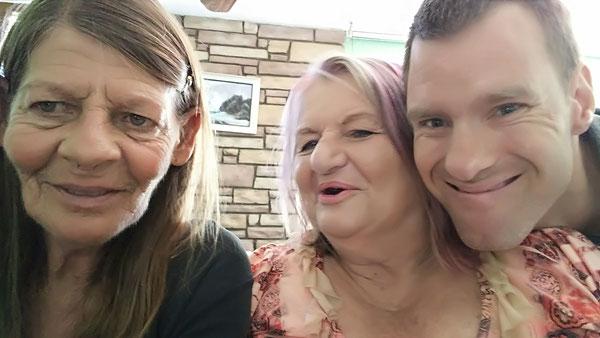 Moi, Mary Ann and Ronald 2017