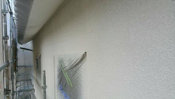 大垣市、養老町、上石津町、輪之内町、安八町、神戸町、垂井町、瑞穂市、池田町で外壁塗装工事中の外壁塗装工事専門店。大垣市稲葉北で外壁塗装工事/一部中吹き作業中