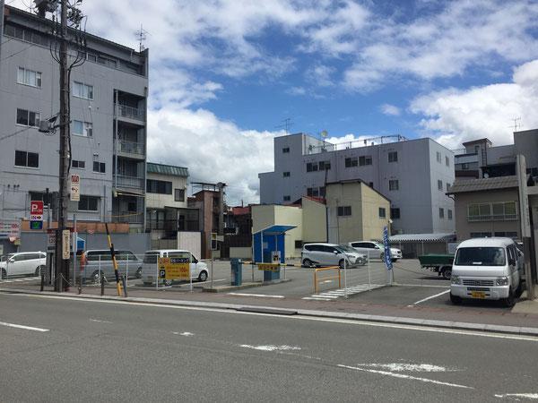 岐阜県高山市駅前パーキング