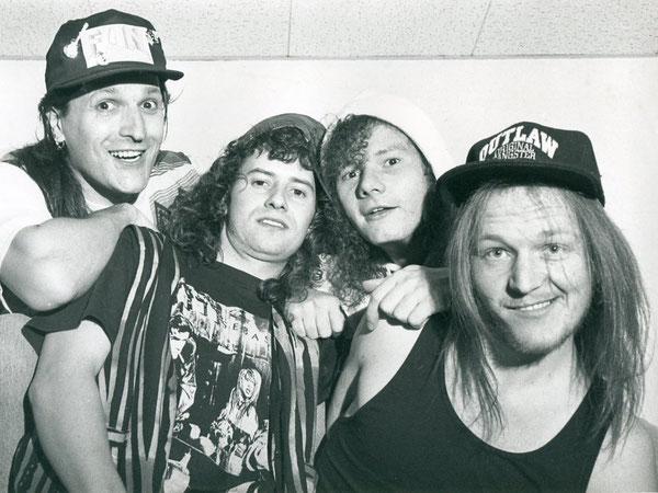 Dany Nicoulaz (Git), Erich Kunz (Drums), Edi Imhof (Bass), Andy Portmann (Vocals)