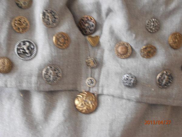 sac à boutons  métalliques... toujours en service actif