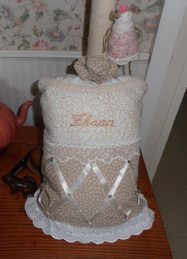 coussin gâteau pour Zhaan