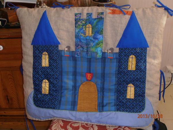 Tête de lit Château fort...pour Harri...
