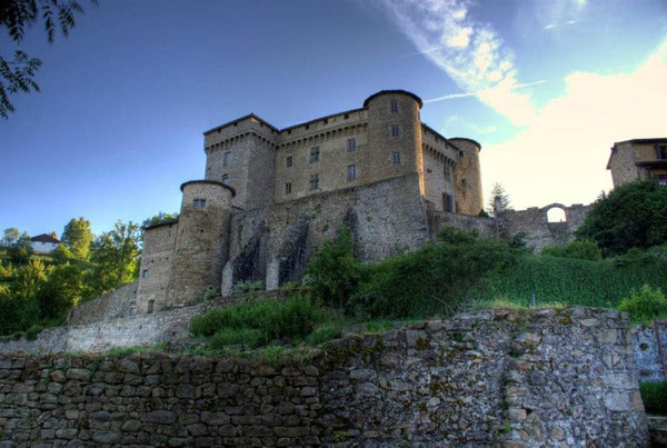 Le Chateau féodal de Chalmazel