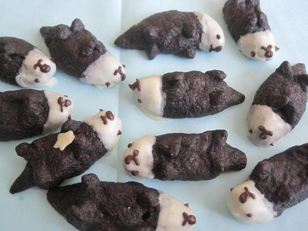ラッコクッキーの群れ。手づくりです。