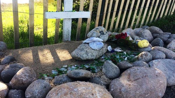 モスランディングのラッコの記念碑 SOURCE: KSBW