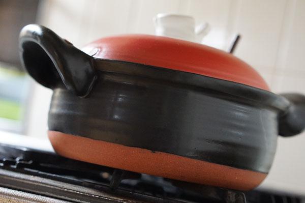土鍋 陶芸家 作家物 女性陶芸家 デザイン 福耳土鍋 赤い土鍋