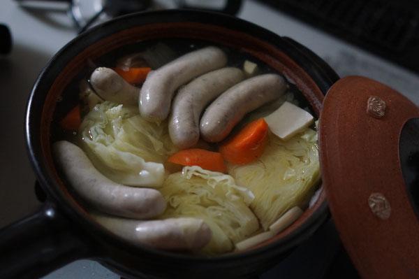 仲本律子ブログ 土鍋 耐熱鍋 スープ 煮込み料理 ソーセージ