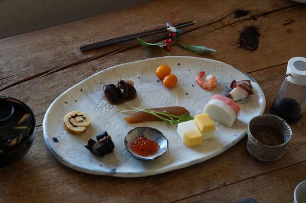 陶芸家 ブログ 茨城県笠間市 女性陶芸家 お正月 お節 お正月プレート 粉引き楕円皿