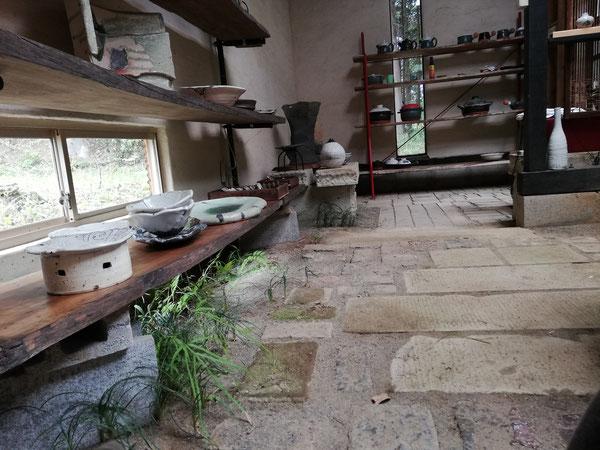 陶芸家のブログ 陶芸 陶芸家 展示室 笠間焼き セルフビルディング 廃材 登り窯のレンが