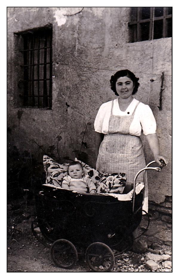1952 - P. Nando e Mamma Paola.