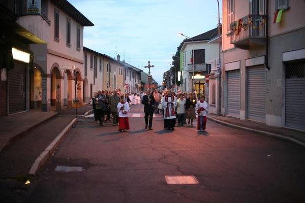 Prevostina, Largo Galluzzi - Via Roma, Processione (2014)