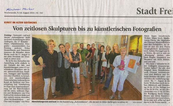 Ricki Scopes dritte von rechts. Aufunddavon, Freising. Mit freundlicher Genehmigung, Münchner Merkur 9/10 August 2014