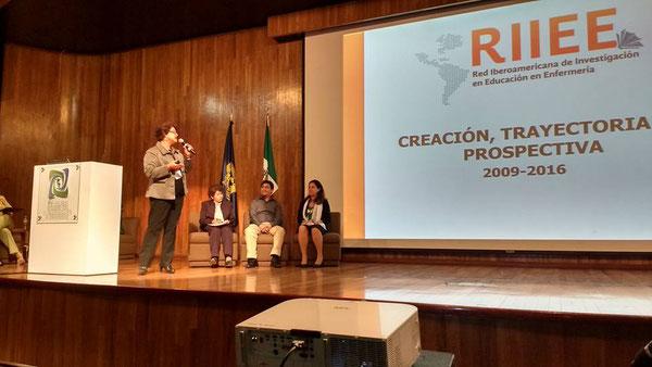 Dra. Lucila Cárdenas Coordinadora Región México y el Caribe y líder de la Red. Mgs. María Antonia Jiménez, en el XV Coloquio Panamericano de Investigación en Enfermería. México DF. 2016