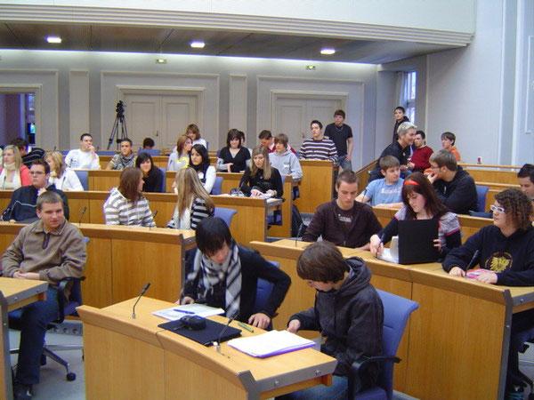 Die Klasse 10d im Plenarsaal
