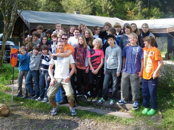 Auch ohne Internet und Playstation glückliche Menschen - die Teilnehmer des Outdoorcamps
