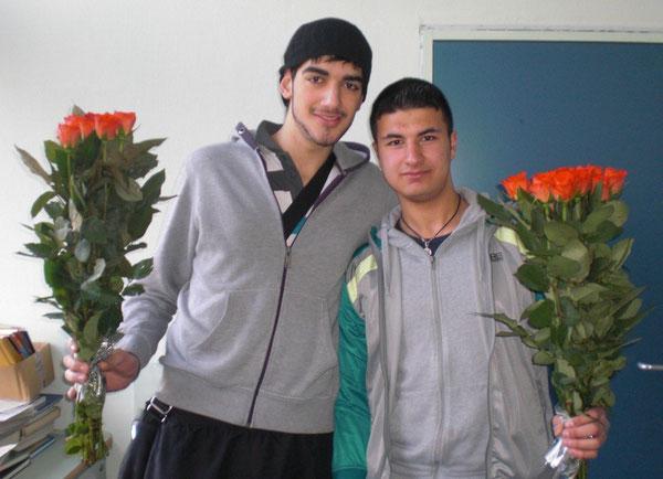 Semih Memili und Schülersprecher Zahed Salman