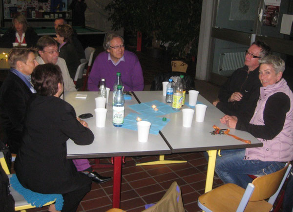 Jurek Kulpa und KollegInnen der Realschule plus Wörth. Auch Herr Karlheinz König, Schulleiter der neuen IGS Wörth, war dabei.