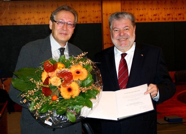 Zwei lange Weggefährten, die ein freundschaftliches Verhältnis pflegen - Joachim Paul und Kurt Beck