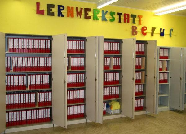 Die Portfolioordner werden in der Lernwerkstatt Beruf aufbewahrt