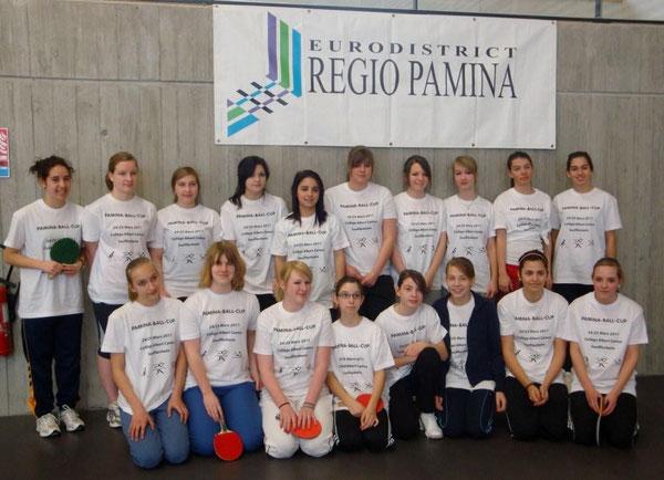 Die Teilnehmerinnen unserer Schule zusammen mit ihren elsässisch-badischen Teamkolleginnen