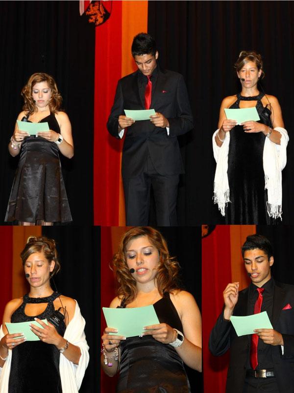 Unser Moderatorenteam (unten): Janina Averett (10c), Sina Ritz (10a) und Olgun Istanbullu (10b)