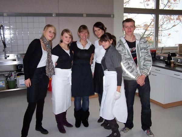 Mitarbeiter unserer  Schülerfirma Cafe Delight