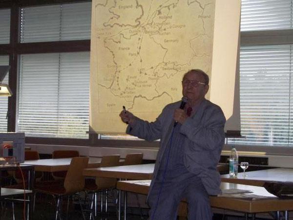 Herman Zimmerman bei seinem Vortrag