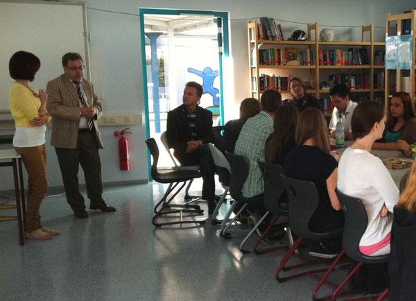 Karlheinz König, Direktor der IGS Wörth, begrü0te die polnischen Gäste im Namen der Schulgemeinschaft der RS plus / IGS Wörth