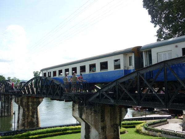 クワイ川鉄橋「戦場にかける橋」