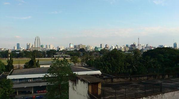 サナームパオ駅東側には陸軍駐屯地があります。