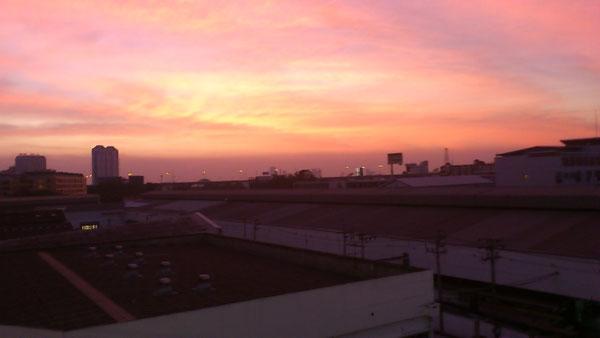 バンコク・オンヌットの夕日