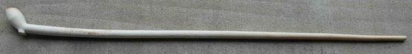 Complete 16e eeuwse pijp, lengte ca 44 cm, Hielmerk WS gekroond, zie hieronder
