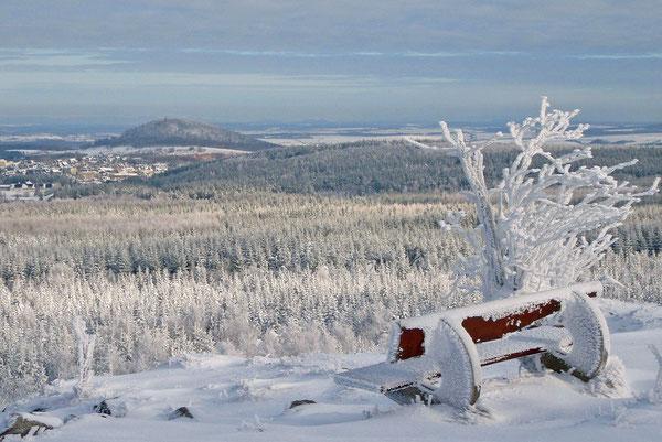 Osterzgebirge - Blick vom Kahleberg zum Geising (824 m ü. NN)