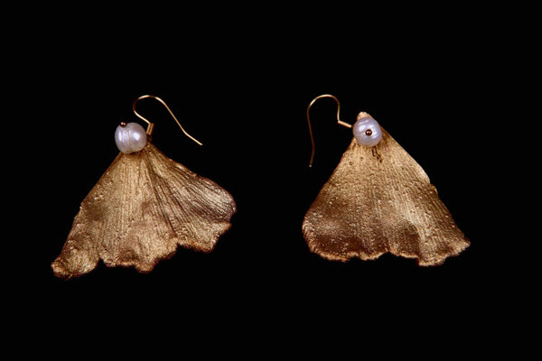 Gingko leaf earrings, gilded copper and river pearls